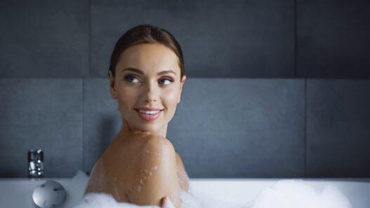 Kvinde i siddebadekar